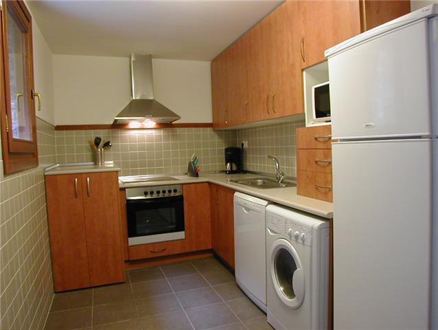 Apartamentos y d plex rincondebiescas alquiler de - Lavadora en la cocina ...